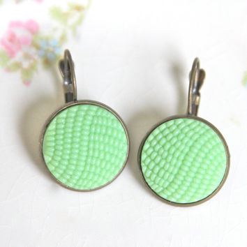 Mint Green Round Glass Hobnail Drop Earrings - Glass Round Quilted Antique Brass Lever Back Drop Dangle - Wedding,Bridesmaid,Bridal,Holiday