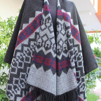 EXPRESS SHIPPING!Gray burgundy wool aztec poncho-Wool Outwear-Plus size Wrap-Large shawl-Oversized ponchos-Two sided cape-Outwear gift ideas