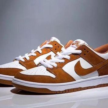 ac spbest NIKE DUNK LOW TRD SHOES