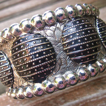 WHITING & DAVIS Black Enamel Etched Flowers Bracelet, Hinged, Silver Tone, Vintage