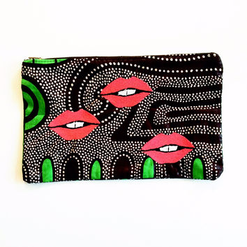 Toothy Lips Clutch