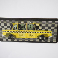 90s Lenticular Alien Taxi Cab Checkerboard Patch // Holographic Optical Illusion // Space Grunge, Seapunk, Club Kid Raver Style