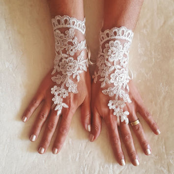 Ivory silvery  Wedding lace gloves gauntlet guantes  bridal accessory bride glove ivory silver