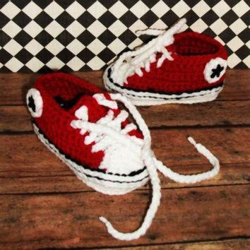 ONETOW crocheted converse booties photo prop chuck taylor booties
