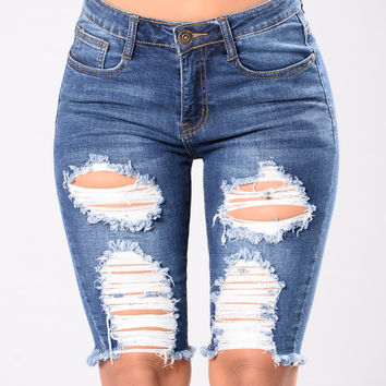Cara Shorts - Dark Wash