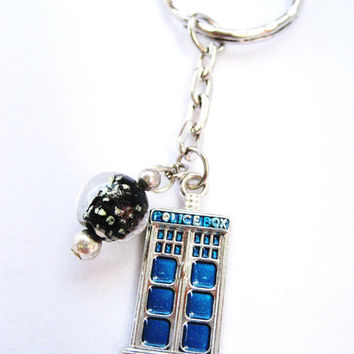 Starry night   Tardis  Keychain , with glow in the dark glass bead .inspired by the Van Gogh episode,