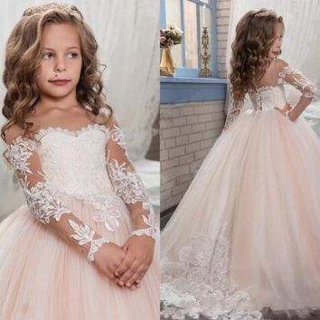2017 Cheap Flower Girls Dresses For Weddings Scoop Long Sleeves Lace Sweep Train Ball Gown Birthday Children Girl Pageant Gown