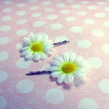 White Daisy Flower Hair Clips