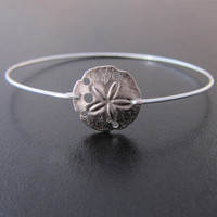 Sand Dollar Bracelet, Sand Dollar Bangle, Beach Bridesmaid Gift, Beach Bridesmaid Jewelry, Beach Wedding, Sand Dollar Jewelry, Beach Jewelry