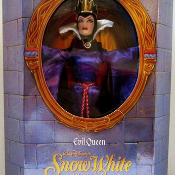 Great Villians Collection: Evil Queen From Snow White By Walt Disney