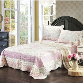 Tache 2-3 Piece Pink Wildflower Picnic Reversible Patchwork Bedspread Set (TASD2307)