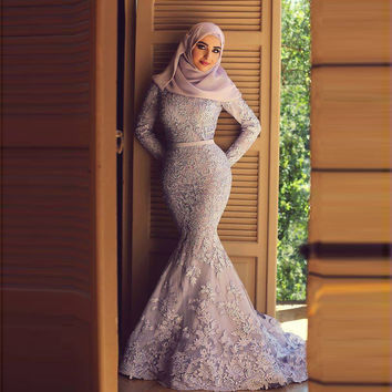 Blue Muslim Evening Dresses 2017 Mermaid High Collar Long Sleeves Appliques Lace Hijab Underscarf Dubai Kaftan Prom Dress Gown