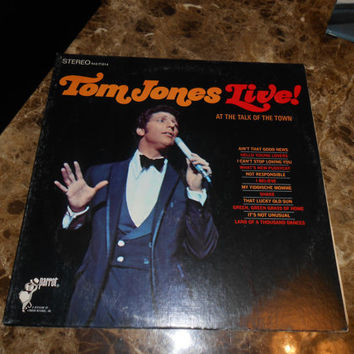 Vinyl Record  Tom Jones Live! At The Talk Of The Town - It's Not Unusual - Vintage 1967 Vinyl