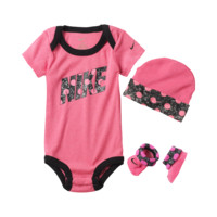 Nike Polka Dots Three-Piece Newborn Girls' Set Size 0-6M (Pink)