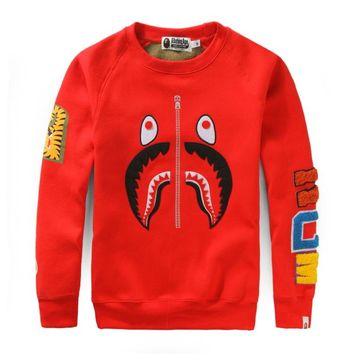 Bape 2018 autumn and winter new personality shark camouflage casual round neck plus velvet sweater red