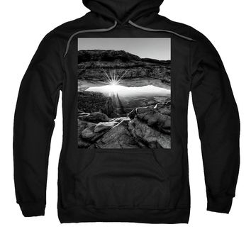 Supernatural West - Mesa Arch Sunburst In Black And White - Sweatshirt