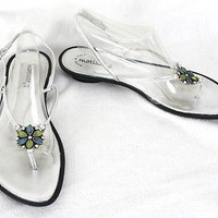 Matisse 9.5 Beaded T Strap Sandals Womens Silver Flower Shoes Vacation Beach Fun