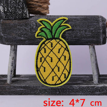 2016year New arrival 1PC Fruits pineapple Iron On Embroidered Patch For Cloth Cartoon Badge Garment Appliques DIY Accessory