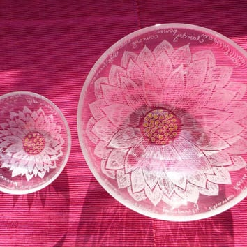 Water Lily set bowls,Hand engraved glass bowl,  Positive words, Large glass salad bowl, Set wedding engraved gift, New family home gift