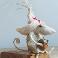 Needle mouse, felt mouse, precious mouse, felted miniature, needle animal, soft figurine, home decor, art doll, tender mouse
