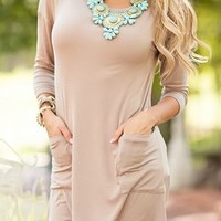 Get Lucky Back Button Tunic Top Mocha