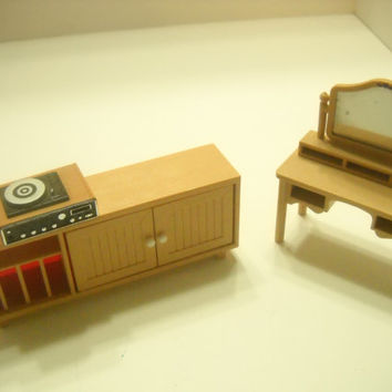 Vintage Tomy Vanity, Stereo Cabinet & Record Player (11)