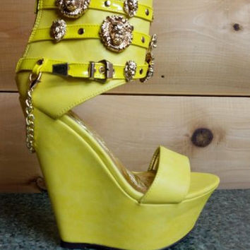 Romina Platform Wedge Ankle Shoes Lion Medallions Chain Powder Yellow