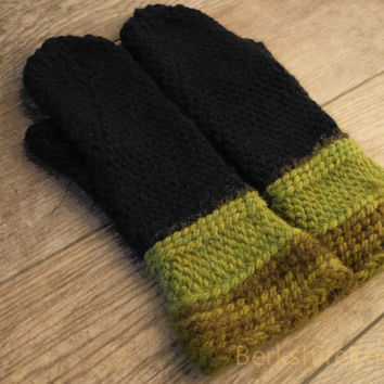 Super soft alpaca merino wool mittens. Crocheted chunky mitts in black, chartreuse, olive green. Small-medium women's. Made to order.