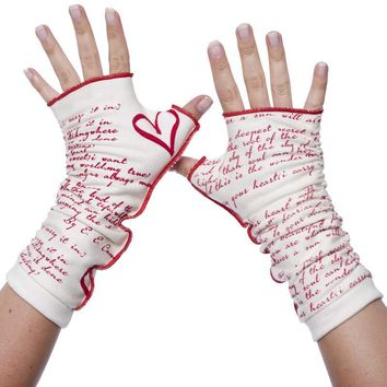 I Carry Your Heart Writing Gloves
