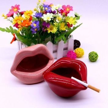 DCCKNQ2 Fashion Ceramic Lips Cigarette Holder Ashtray