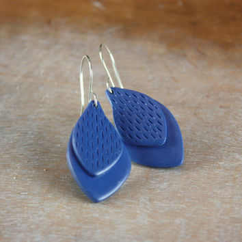 Indigo blue feather earrings, minimal contemporary jewelry, polymer clay, sterling