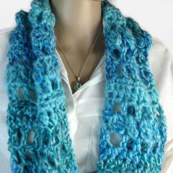 Scottish Turquoise Infinity Cowl Scarf Outlander Claire Warm Winter accessories Circle Scarf Diana Gabaldon Crocheted Neckwarmer