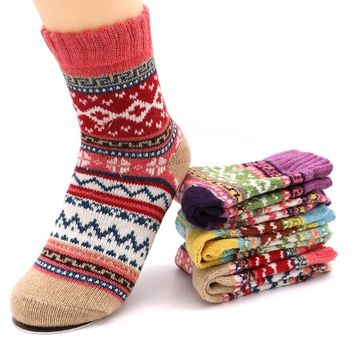 Cotton Socks Women Autumn Winter Sock Warm Fluffy Girls Socks Cute Christmas Colorful Geometic Pattern Thicken Sock for Women