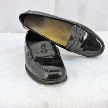 Vintage black patent leather penny loafer size 8 M womens G.H. Bass Weejuns handcrafted leather loafers SunnyBohoVintage