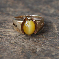 Vintage Tigers Eye 10K Gold Ring Handwrought Gold Oval Yellow Tigers Eye Stone Mid Century Modern Size 8 1/4 1960's // Vintage Fine Jewelry