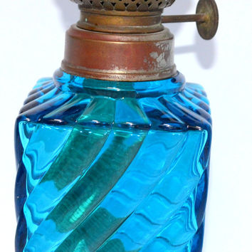 Baccarat French Art Glass Oil Lamp in Peacock Blue with Ribbed and Swirl Pattern