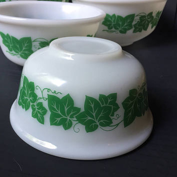 Hazel Atlas Ivy Nesting Bowls | Set of 4 Mixing Bowls Nesting Bowls | Hazel Atlas Ivy Pattern Mixing Bowls Set | Vintage Milk Glass Bowl Set