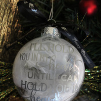 Memorial Ornament - Memorialize your loved one that has passed with our beautiful memorial feather filled ornament | Christmas Ornament