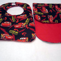 Baby Bib and Burp pad set for Infant baby or toddler featuring Lightening McQueen