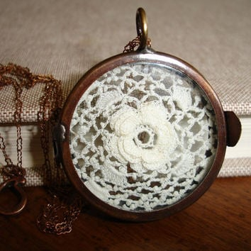 Vintage Irish Crochet Flower Lace Display, Antique Copper Shadow Box Hinged Locket, Vintage Brass Chain, Romantic, Victorian, Timeless