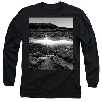 Supernatural West - Mesa Arch Sunburst In Black And White - Long Sleeve T-Shirt