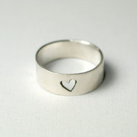 15% off Sale -- Simple Heart Cutout Ring Sterling Silver ( 5 mm )