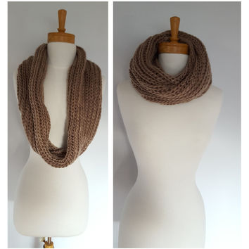 Brown Chunky Knit Infinity Scarf, Womens Knit Winter Scarves, Knit scarf for fall and Winter