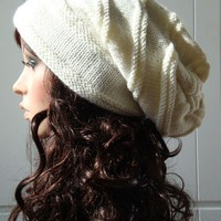White Chunky Wool Hat by MaxMelody on Etsy