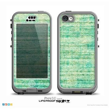 The Grungy Horizontal Green Lines Skin for the iPhone 5c nüüd LifeProof Case