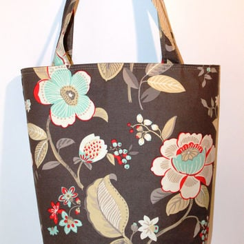 Market tote, beach bag, weekend tote in light brown and flowers.