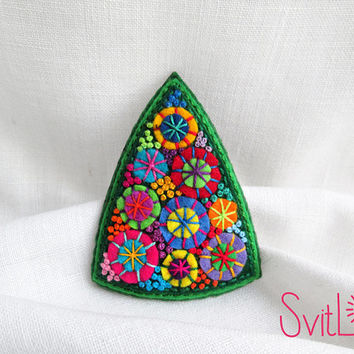 Christmas Tree Felt Brooch Holiday Fireworks Hand Embroidery Christmas Gift Textile Art Jewelry  Original Unusual Jewelry French Knot