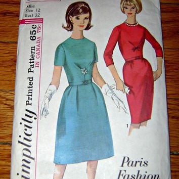 60's SIMPLICITY Classic Dress Pattern 5663 Vintage Paris Fashion Sixties Dresses Sewing Printed Pattern Instructions Juniors Misses Dress