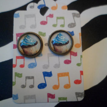 Cupcake cameo post earrings