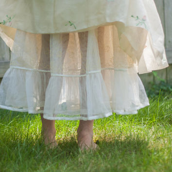 1950's Wedding Crinoline - White Bridal Petticoat, Decorative Lingerie, Vintage Undergarments, Half Slip // Nylon Chiffon, Size Large